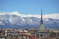#Torino incorniciata dalle montagne innevate. 19 marzo 2013. Foto della Redazione web della Città di Torino. #panorami