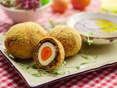 Sunday Brunch - Articles - Curry Spiced Black Pudding Scotch Eggs - All 4
