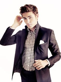 can we all just admit that the boy grew up nicely. Zac Efron 30096956f628c