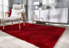 HARLEKIINI-lepotuoli, ELISE-senkki ja punainen WEB-matto.