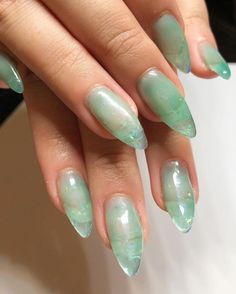 What Christmas manicure to choose for a festive mood - My Nails Speing Nails, Jade Nails, Hair And Nails, Coffin Nails, Glitter Nails, Clear Gel Nails, Aqua Nails, Pink Glitter, Minimalist Nails
