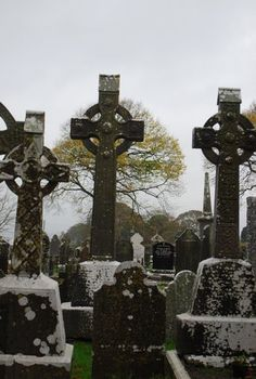 Celtic Crosses in Ireland Love Ireland, Ireland Travel, Emerald Isle Ireland, Celtic Signs, Celtic Crosses, Celtic Nations, Graveyard Shift, Viking Culture, Irish Pride