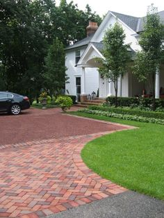 brick border, driveway, parking coury, entrycourt, gravel driveway in 2020 Driveway Driveway Entrance Landscaping, Stone Patio Designs, Home Landscaping, Hardscape, Front Garden, Patio Design, Brick, Driveway Design, Brick Border