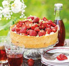 Succé - paj med jordgubbar och len vit choklad.