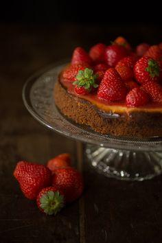 cheesecake di fragole! la ricetta completa su http://aletobehappy.blogspot.it/2016/08/cheescake-di-fragole.html