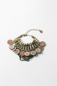 Discover the new arrivals in our accessories collection! Coin Bracelet, Bracelets, Women's Accessories, Women Jewelry, Womens Fashion, Earrings, Collection, Feminine Fashion, Spring Summer 2016