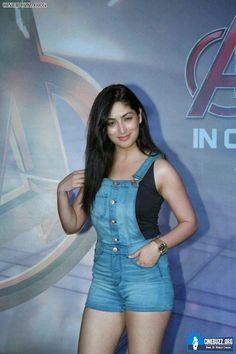 Sexy Unseen Indian girls pic: Yami gautam sizzels with their hot body