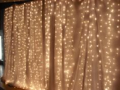 Wedding Backdrops chic wedding backdrop lights and sheer cloth Gold Backdrop, Photo Booth Backdrop, Backdrop Lights, Backdrop Ideas, Photo Booths, Head Table Backdrop, Backdrop Decorations, Wedding Reception Backdrop, Ceremony Backdrop