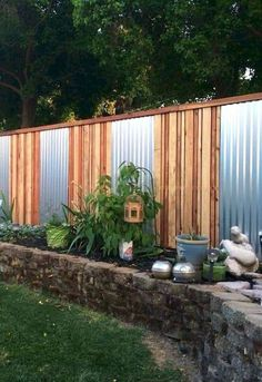 37 Amazing Privacy Fence Ideas and Design for Outdoor Space - Zaun Cheap Privacy Fence, Privacy Fence Designs, Privacy Landscaping, Outdoor Privacy, Backyard Privacy, Diy Fence, Backyard Fences, Fence Ideas, Landscaping Ideas