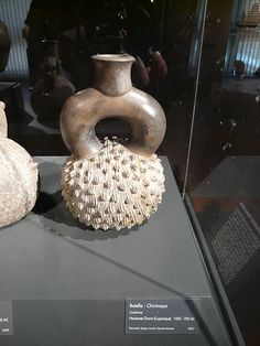 File:Cherimoya bottle Cupisnique pre-columbian santiago.JPG Cherimoya-shaped bottle made by the Cupisnique culture around 1000 to 700 BC in the Peru's Coast