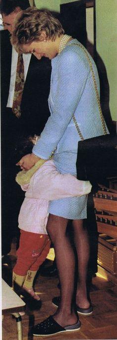 """Princess Diana au Japan _ Février 1995 """" SUITE """"                                                                                                                                                                                 Plus"""