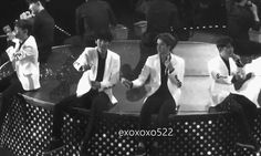severely-awesome: chanyeol and sehun making hearts with snow spray ♥
