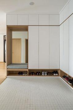 spodnji del za copate, čevlje Wardrobe Door Designs, Wardrobe Design Bedroom, Wardrobe Doors, Closet Bedroom, Hall Wardrobe, Sliding Wardrobe, Modern Wardrobe, Bedroom Small, Bedroom Modern