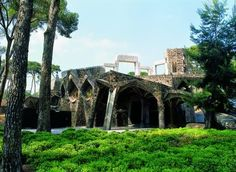 Cripta Gaudí en la Santa Coloma de Cervelló