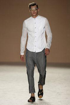 Miquel Suay SS17. menswear mnswr mens style mens fashion fashion style miquelsuay runway