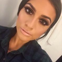 LOVE THIS Bronzed make up so much! Perfect for a night out ❤️ smokey eye make up,bronz eye make up Gorgeous Makeup, Love Makeup, Makeup Looks, Amazing Makeup, Full Makeup, Gorgeous Hair, Smokey Eye For Brown Eyes, Makeup For Brown Eyes, Brown Eyeshadow