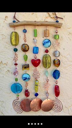 Looking for the cutest and the best wind chimes for your nest? We have collected you all the internet-loved wind chimes to accessorize your home with. Wire Crafts, Bead Crafts, Diy And Crafts, Arts And Crafts, Suncatchers, Diy Wind Chimes, Garden Crafts, Garden Art, Wire Art
