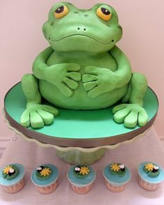 Frog Cake with matching lily pad mini cupcakes