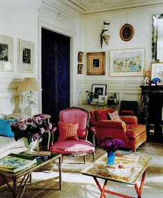 I can't wait til we have accumulated enough beautiful things we love to  make our apartment this cozy and eclectic!