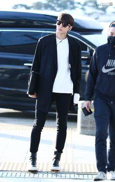 Leo Vixx, Jung Taekwoon, Kpop Merch, Kpop Fashion Outfits, Korean Fashion, K Fashion, Korea Fashion, Korean Fashion Styles