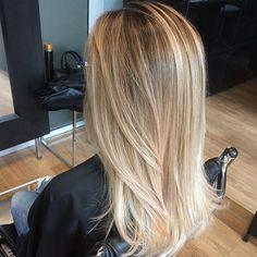 Hair Color Balayage, Blonde Balayage, Long Hair Cuts, Long Hair Styles, Cool Blonde Hair, Hair Icon, Gorgeous Hair Color, Light Hair, Stylish Hair