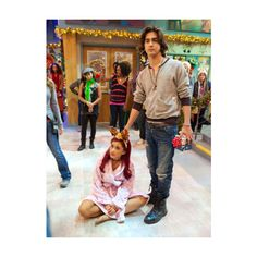 Designer Clothes, Shoes & Bags for Women Victorious Tori, Victoria Justice Victorious, Ariana Grande 2011, Ariana Grande Outfits, Victorious Nickelodeon, Sam And Cat, Avan Jogia, Lights Camera Action, Icarly
