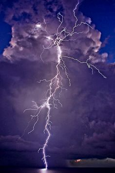 lightning strikes too All Nature, Science And Nature, Amazing Nature, Weather Cloud, Wild Weather, Lightning Photography, Nature Photography, Storm Photography, Photography Tips