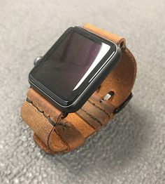 Apple Leather Watchband 38-42mm, Handmade genuine leather watch strap, apple watch strap. Made in the USA by our team at Arte-Lab.  This handmade leather strap comes in various sizes and colors, custom made to fit 38mm or 42mm watches. The adapter comes fitted with band and buckle. This product is premium made and completed with a refined touch. They mount easily, slides in and out of your watch slot. The adapters come in the three of the four distinct colors: silver, gold and space gray…