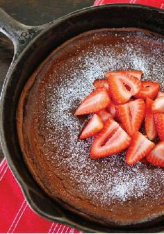 Dutch Baby Pancake –This easy puffy, chocolate baked pancake is the perfect breakfast.