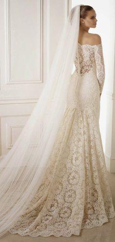 Véu de noiva longo e bem cheio da Pronoivas. Clique para ver mais idéias de véus!