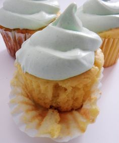 Low fat lemon cake with greek yogurt topped with Lime Jello frosting. Find out how at #craftcravings #lowfat #baking