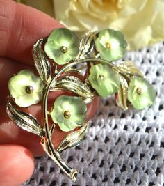 PASTEL GREEN PERIDOT Flower Brooch Vintage Gold Toned Flower Pin Cluster of Flowers Vintage Glass by StudioVintage on Etsy