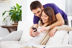 7 Reasons to Date a Social Media Manager #atomicdc #blog #dating
