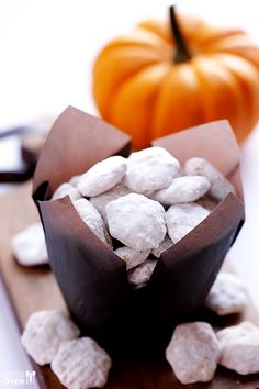 Perfect snackin' for fall! Pumpkin Spice Puppy Chow Recipe - from @Ali Ebright (Gimme Some Oven)