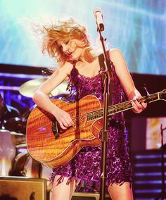 """Taylor Swift during 'Picture To Burn""""."""