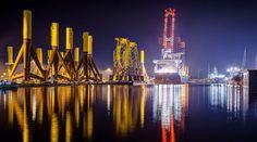 Beeindruckende Aufnahmen von Bremerhaven, aufgenommen von Tanja Arnold, sind hier zu finden:  http://www.flickr.com/photos/liv-t/sets/72157626519092118/