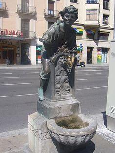 Font del Trinxa - Josep Campeny #boy #fountain #ridding #barcelona