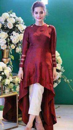 Pakistani Fashion Party Wear, Pakistani Dresses Casual, Indian Fashion Dresses, Dress Indian Style, Pakistani Dress Design, Indian Designer Outfits, Pakistani Clothing, Abaya Style, Latest Pakistani Fashion