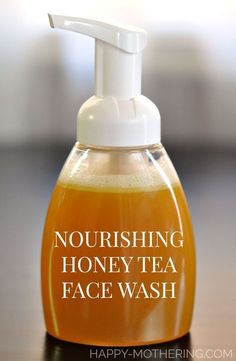 DIY Nourishing Honey Tea Face Wash Need the best nourishing DIY face wash recipe? This homemade facial cleanser user honey, herbal tea, castile soap and essential oils to pamper skin. Beauty Care, Beauty Hacks, Beauty Skin, Aloe Vera Creme, Natural Hair Mask, Natural Skin, Beauty Tips For Face, Beauty Advice, Beauty Secrets