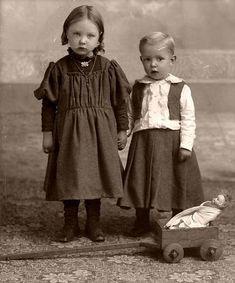 Vintage Children by Suzee Que, via Flickr