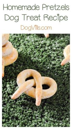 Healthy Dog Treats Twist Up a Batch of These Homemade Soft Pretzel Dog Treat Recipe - Your pooch is going to love this delicious homemade pretzels dog treat recipe! It's just like your favorite pretzel, but with a bit of a twist! Homemade Dog Cookies, Homemade Soft Pretzels, Homemade Dog Food, Puppy Treats, Diy Dog Treats, Healthy Dog Treats, Soft Dog Treats, Dog Biscuit Recipes, Dog Treat Recipes