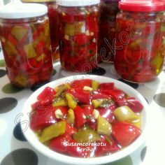 How to Make Pickled Boiling Vinegar, Romanian Food, Turkish Recipes, Yams, Fruit Salad, Clipart, Vinegar, Pickles, Yogurt, Food And Drink