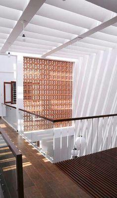 Calado intermedio. Modern Interior, Home Interior Design, Interior And Exterior, Courtyard Design, Courtyard House, Brick Architecture, Interior Architecture, Beaux Arts Lyon, Casa Hygge