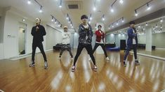 SHINee 샤이니_'Everybody' Dance Practice ver. _ All of their choreography is awesome but this is my current favorite! Epic parts, throwing Taemin in the air, Key's flute move, plus he leads the others to spin like cyclones, Minho winds em' up like toys, Jonghyun looks good sounds great well everybody does ha Everybody, Onew's awesome propellor arms..Finally back to Taemin with his modern gatlinggun move (ticking a form of popping) SHINee wave & collapse the end. OH I'm clapping like a happy…