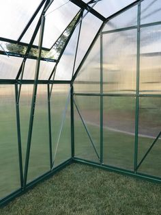 The Grandio Summit 12x12 Is the perfect DIY Style Greenhouse Kit for amateur and professional gardeners alike. Featuring heavy duty lockable door handles and 10mm twin-wall polycarbonate panels, the Grandio Summit provides perfect thickness for winter insulation!