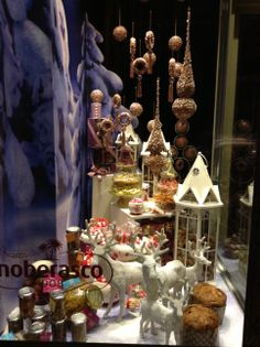 via Spadari, Milano: ed è subito Natale!