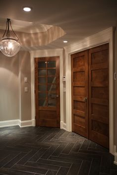 White Trim With Wood Doors Design Ideas, Pictures, Remodel, and Decor – page 2 - Home Page Interior Trim, Interior Barn Doors, Craftsman Interior, Interior Shutters, Room Interior, Home Design, Floor Design, Dark Doors, White Trim Wood Doors