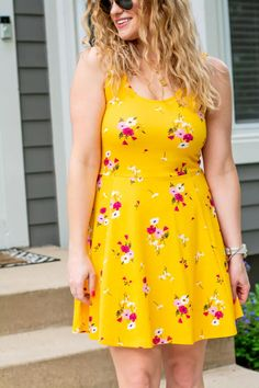 Yellow Floral Skater Dress + Wedges. | Le Stylo Rouge Fashion Group, Only Fashion, Boho Fashion, Fashion Beauty, Girl Fashion, Fashion Outfits, Fashion Trends, Floral Skater Dress, Little Fashion