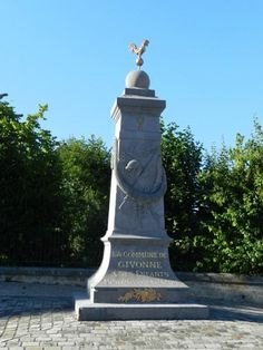 Monument aux morts 1914-18 – Givonne, Champagne-Ardenne