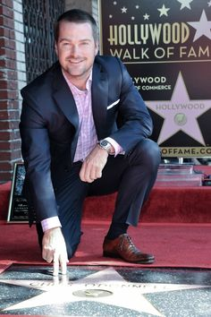 Chris O'Donnell gets emotional at his Hollywood star ceremony Celebrity Stars, Ncis Los Angeles, Latest Sports News, Hollywood Star, Famous Men, Chicago White Sox, Pretty Boys, Beautiful Men, Tv Series